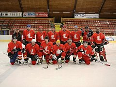 Dobráci ze Lhotky mají svůj hokejový tým