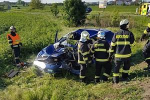 Nehoda u obce Líbeznice.