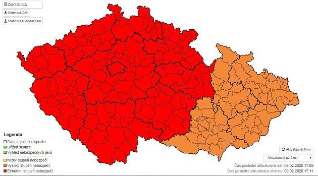Český hydrometeorologický ústav (ČHMÚ) vneděli zvýšil stupeň výstrahy před větrem, který má zasáhnout navečer území České republiky.