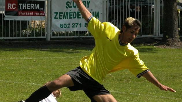Z utkání 22. kola I. A třídy dorostu Velký Borek - Dynamo Nelahozeves (4:2).