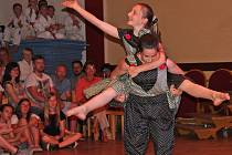 Taneční skupina Naděje zorganizovala na závěr letošní sezony v kralupském kulturním a společenském středisku Vltava show, která se fakticky stala průřezem letošní činnosti.