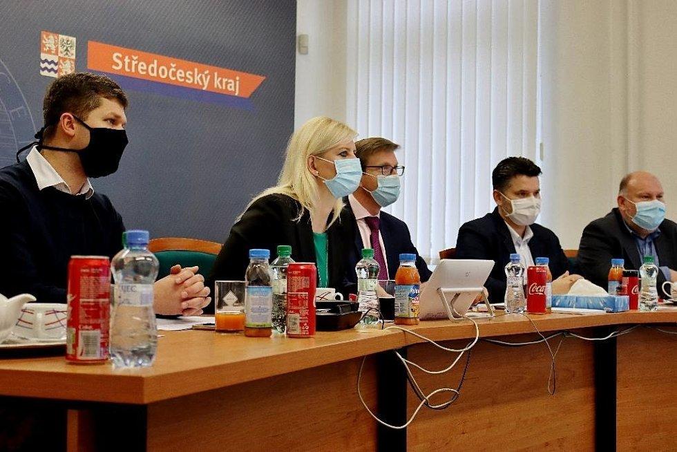 Videokonference radních Středočeského kraje a hlavního města Prahy.