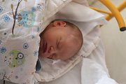 Matyáš Holinka se rodičům Haně Weinlichové a Luďku Holinkovi ze Štětí narodil v mělnické porodnici 21. prosince 2017, měřil 50 cm a vážil 3,73 kg. Doma se na něj těší 2letá Anita.
