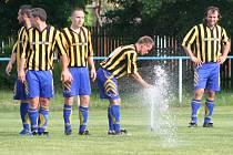 Fotbalisté Záryb dostali v podobě disciplinárního trestu pořádně ledovou sprchu.