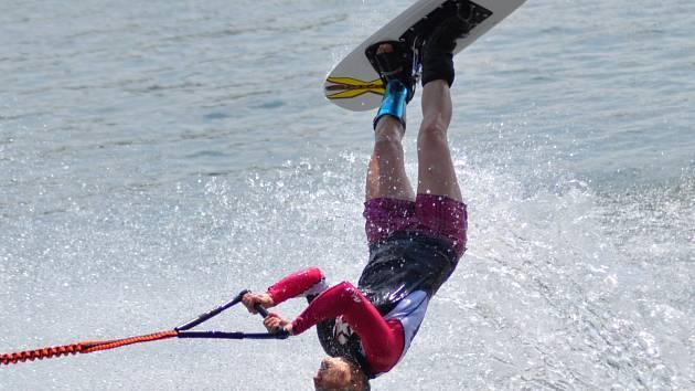 Neratovická vodní lyžařka Martina Gerencséry si jede pro nový národní rekord.
