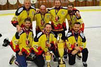 Premiérový ročník Mělnické rybníkové ligy vyhrál tým startující v barvách domácího HC Junior.