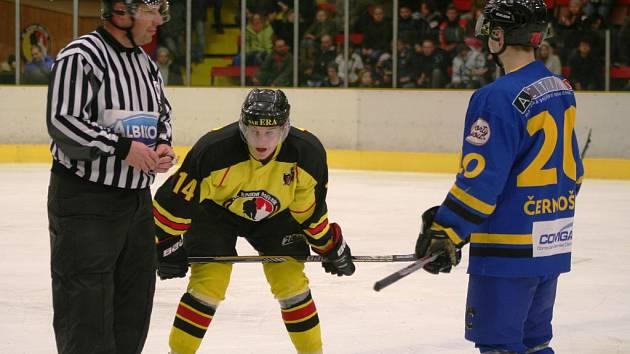 V prvním finálovém duelu krajské ligy mužů zvítězil domácí Mělník nad Černošicemi.