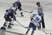 Hokejisté Kralup v úvodním zápase předkola porazili Kolín B 5:3.