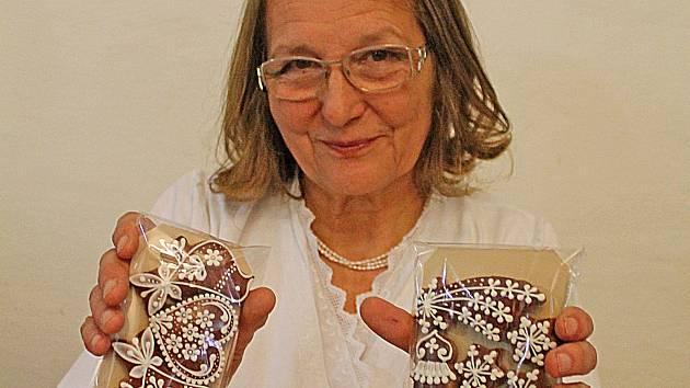 Perníkářka Emílie Jablonská - předvánoční řemeslný jarmark v mělnickém muzeu.