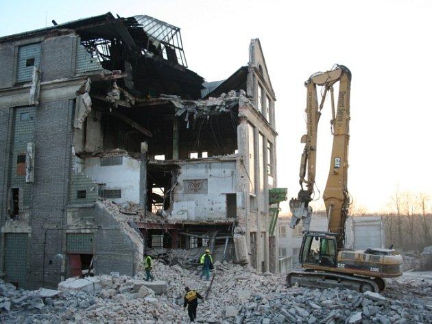 Takto nyní vypadá budova bývalého cukrovaru v Mělníku. A bude hůř.