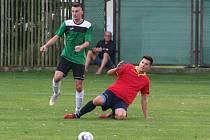 David Černý (v zeleném) neušetřil ani Horní Beřkovice, který vstřelil v pátém kole oba góly.