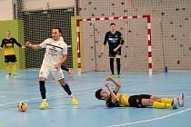 Futsalisté Olympiku Mělník porazili v dohrávce 9. kola 1. ligy Rapid Ústí nad Labem 5:4.