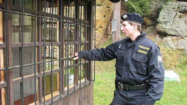Policisté kontrolovali po sezoně opuštěné chaty na Kokořínsku.