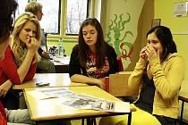 Při vyprávění někteří z žáků neskrývali své emoce.