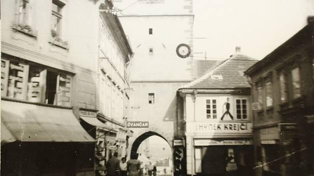 Pražská brána v roce 1940.