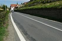 O něco komplikovanější se stane průjezd Mělnickem po hlavním silničním tahu I/9. K nynějším stavbám od pondělka přibývá vyznačování dopravního omezení kvůli opravě vozovky v 3,6 kilometru dlouhém úseku mezi Vehlovicemi a Želízy.