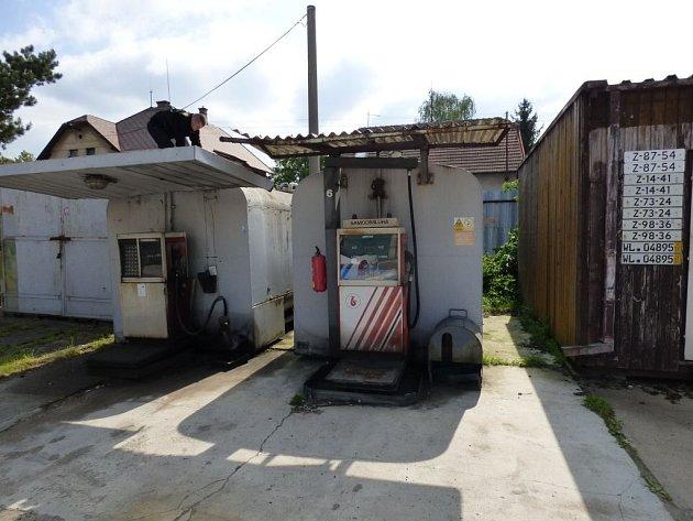 Na stopu machinací s nezdaněnou naftou přišli středočeští celníci v Mělníku.