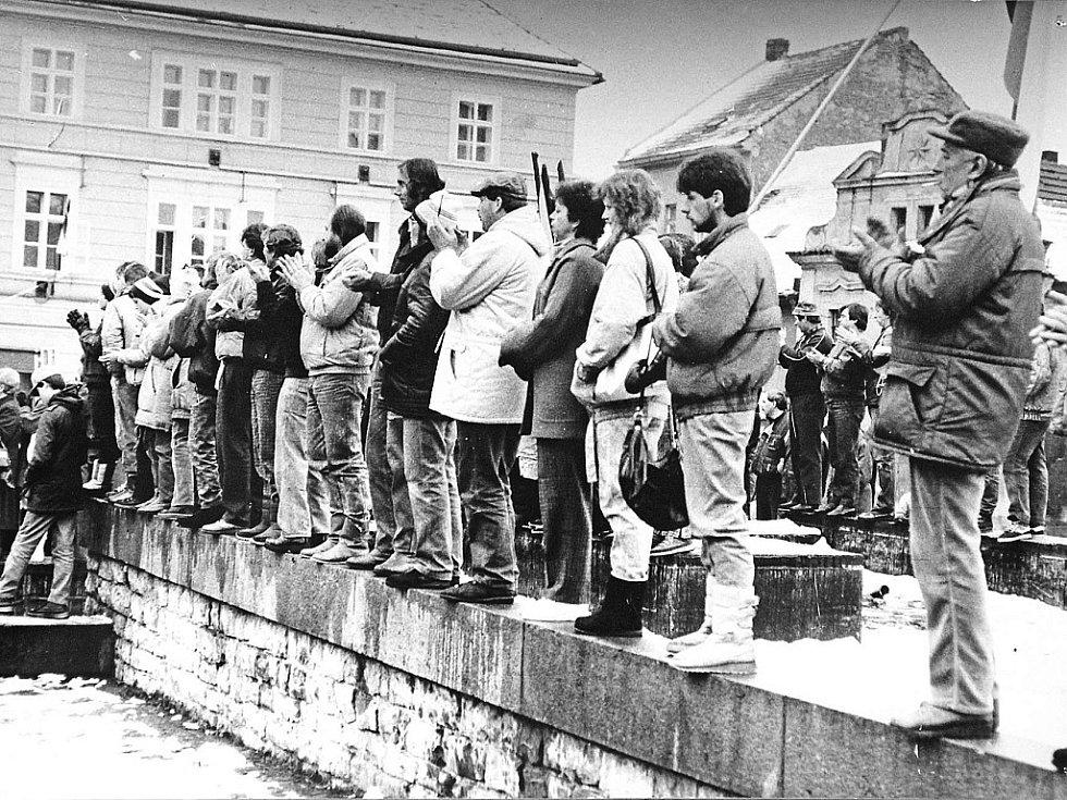 Listopad 1989 v Mělníku.
