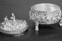 Stříbrné ciborium ( schránka na hostie).