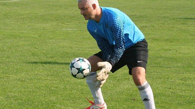 Brankář Všestud Roman Starý vychytal Viktorii na Pšovce druhý bod. V rozstřelu za záda nepustil ani jednu penaltu.