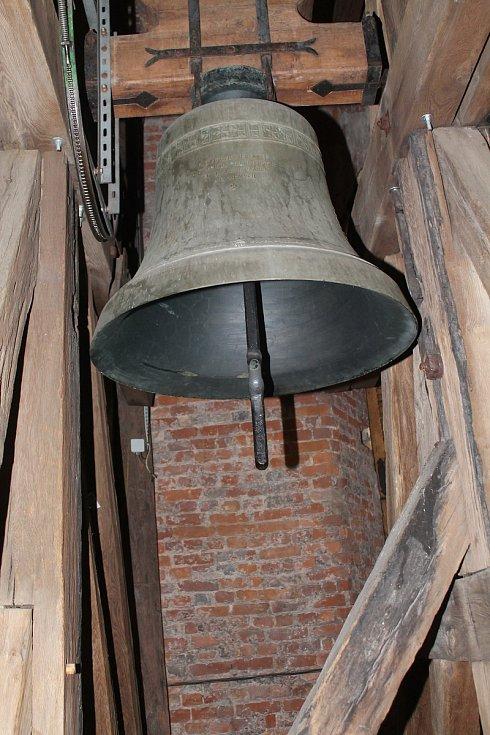 Vidět při práci mělnické zvoníky je opravdový zážitek.