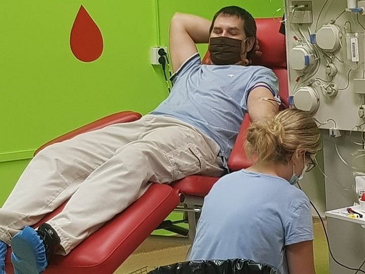 Fotbalisté Byšic společně darovali krev.
