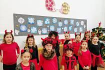 Zábavný program předvedli žáci ze ZŠ J. Seiferta v Mělníku.
