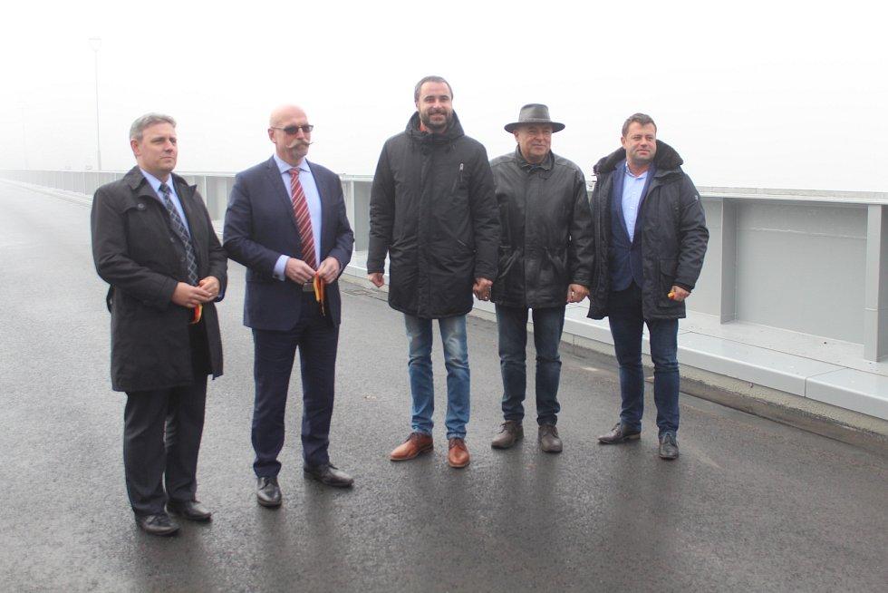 V roce 2018 vedení Mělníka slavnostně otevřelo opravený most Josefa Straky.