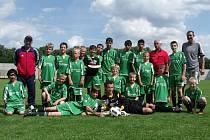 Fotbaloví žáci PTZ Nelahozeves po celkovém vítězství v okresním přeboru Mělnicka završili úspěšnou sezonu prvenstvím na domácím turnaji.