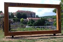Nová odpočinková místa v Kralupech.