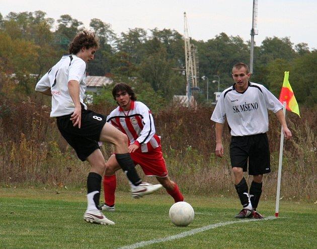 Fotbalisté Mšena si zajeli pro první porážku na hřiště kralupské Čechie.