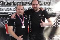 Zdeněk Tuháček s Radkem Hyským, pravidelným doprovodem kralupského oddílu na mistrovstvích Radkem Hyským.