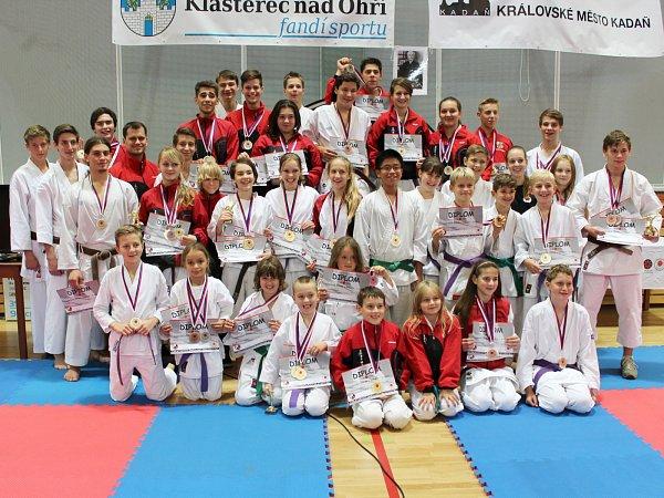 Karatisté SK Shotokan Neratovice vKadani ovládli druhé kolo národního poháru.