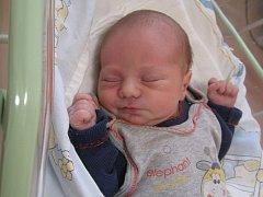Kryštof Olšák se rodičům Lucii Jarošové a Jiřímu Olšákovi z Mělníka narodil v mělnické porodnici 28. října 2015, vážil 3,40 kg a měřil 50 cm.