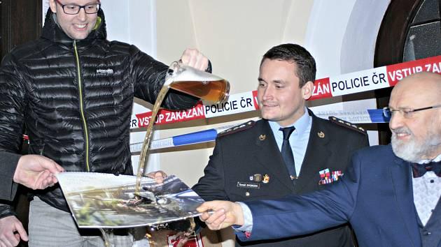 Křest nového policejního kalendáře s názvem Bezpečný Mělník.