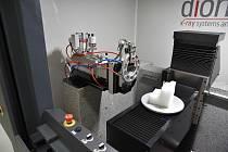 V Technoparku Kralupy začal fungovat unikátní tomograf umožňující analýzy struktury materiálů.