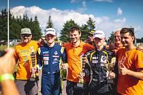 Tým Carpek Service během posledního podniku letošní sezony ESET Cupu na Autodromu v Brně.