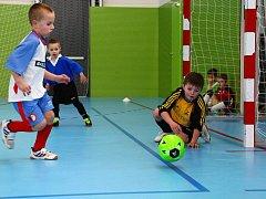 Nejmenší fotbalisté Pšovky přes zimu absolvovali hned několik halových turnajů.