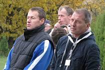 Předseda TJ Řepín Milan Vaněček (vpravo)