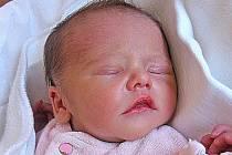 Eliška Matoušková se rodičům Jitce a Pavlovi ze Štětí narodila 30. srpna 2011, vážila 2,38 kg a měřila 48 cm. Na sestřičku se těší 1,5letý Kubík.