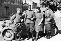 Sovětští vojáci v Mělníku 1945.
