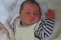 Vojtěch Demeter se rodičům Lucii Menclové a Davidu Demeterovi ze Skalky narodil v mělnické porodnici 7. října 2015, vážil 3,80 kg a měřil 52 cm.