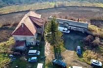 Zanedbaný pozemek s nemovitostmi u vinic by mohl být rekultivován.
