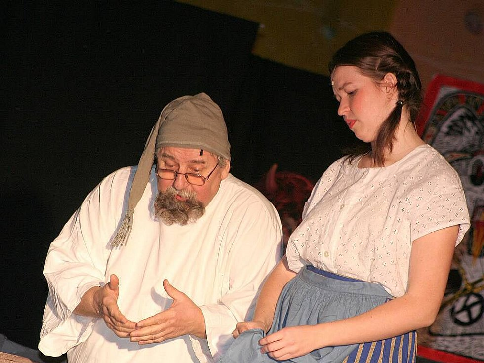 Čertovská škola v podání herců mělnického Nového divadla.