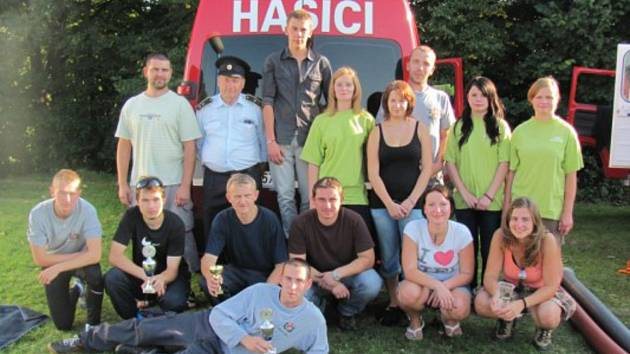 Hasiči z Vysoké sbírají úspěchy na poli požárního sportu. Dorostenky v červnu z kraje přivezly třetí místo.