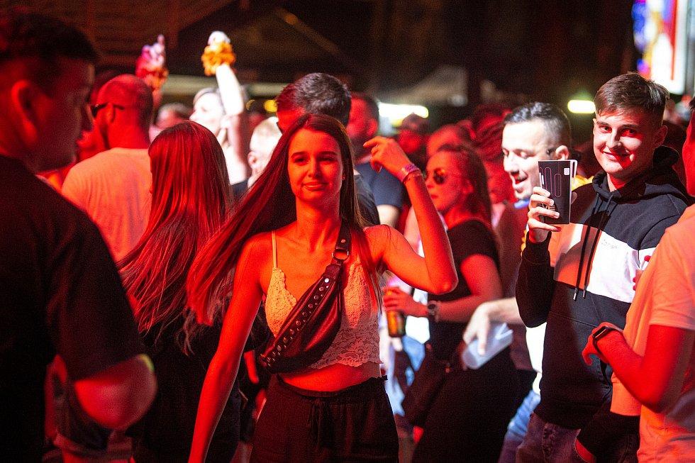 Taneční festival elektronické hudby Beats for love v Dolní Oblasti Vítkovice, 4. července 2020 v Ostravě.