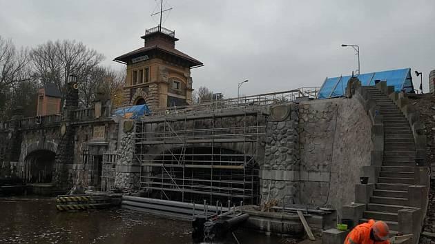 Plavební komora v Hoříně.