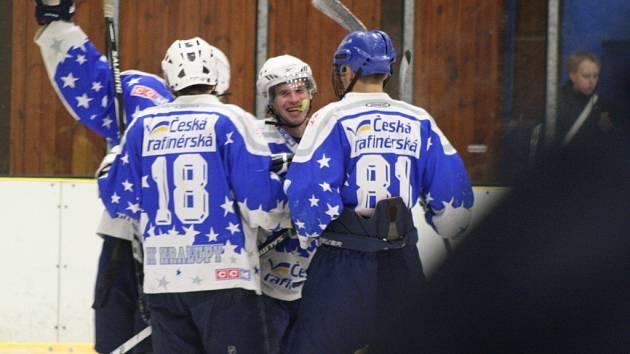 HC Junior Mělník - HK Kralupy (v modrém); 18. kolo krajské ligy; 17. ledna 2015
