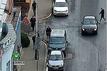 K nehodě došlo v pátek 14. února před půl desátou dopoledne v Nerudově ulici v Kralupech nad Vltavou.