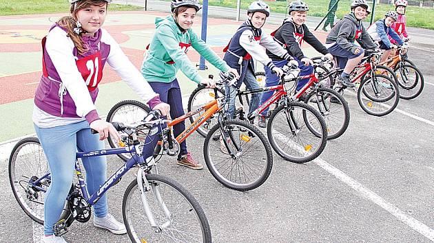 Okresní dopravní soutěž mladých cyklistů v Mělníku.